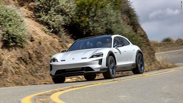Porsche, TAYCAN'ın yeni özelliğini açıkladı