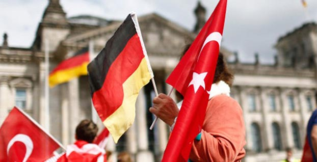 Almanya'dan Türkiye hakkında iki önemli karar