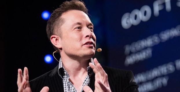 Tesla'nın ilk akıllı telefonunun görüntüleri sızdı