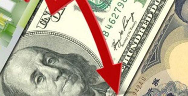 Dolarda düşüş hızlanarak sürüyor