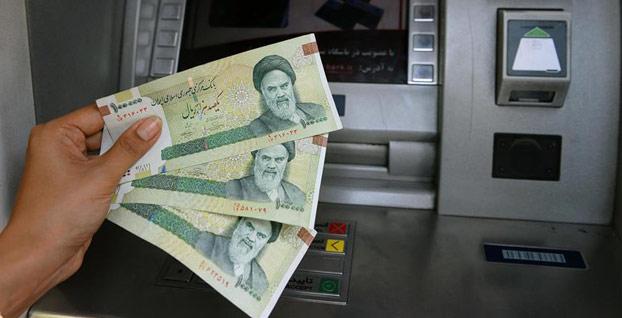 İran'da ABD yaptırımlarının ilk günü dolar geriledi