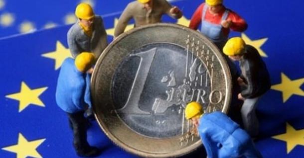 OECD ve Avro Bölgesi'ndeki büyüme ivmesinde yavaşlama