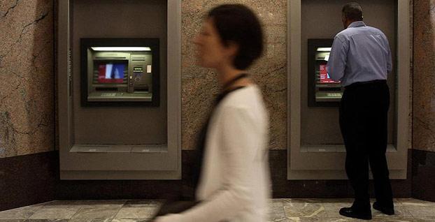 İngiltere'nin önde gelen bankası 54 şubesini kapatıyor