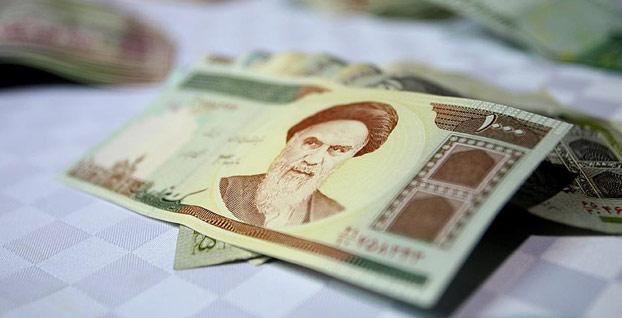 İran'da dolar kuru tarihi zirvede
