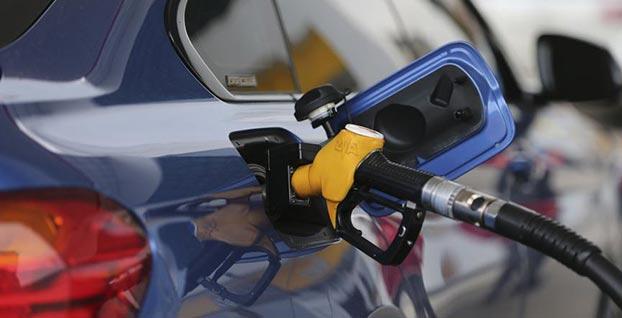 Benzin fiyatlarına indirim geldi