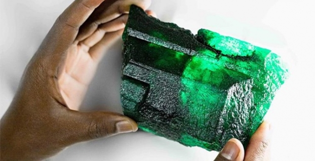 Zambiya'da devasa zümrüt taşı bulundu
