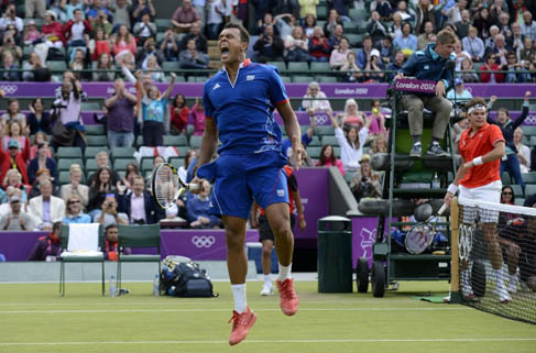 Federer tamam, Tsonga devam dedi