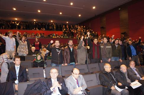 İstanbul Üniversitesi'nde olaylı konferans (Video)