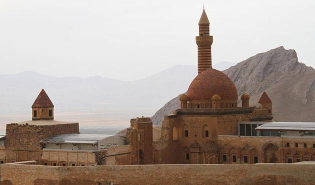 Ağrı'daki huzur ortamı turizme doping oldu
