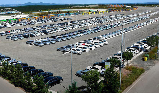 Küresel ticaret 'otomobil' ile yol alıyor