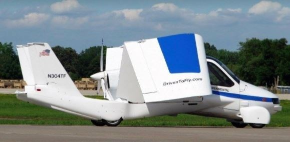 İlk uçan otomobil satışa çıkıyor