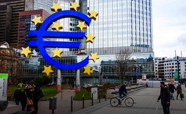 Euro Bölgesi'nde ihracat azalırken ithalat arttı