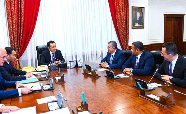 Kibar Holding CEO'su Haluk Kayabaşı Kazakistan Başbakanı ile görüştü