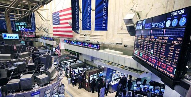 New York borsası ilk işlem gününde düşüşle açıldı