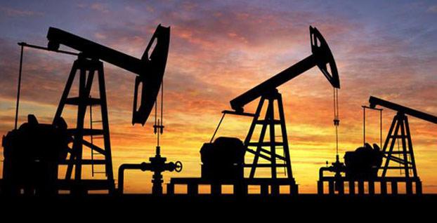 Petrol fiyatları stokların artacağı beklentisi ile geriledi