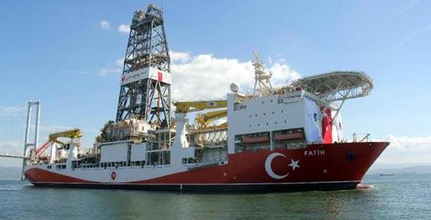 Türkiye'nin ilk sondaj gemisi Fatih'e