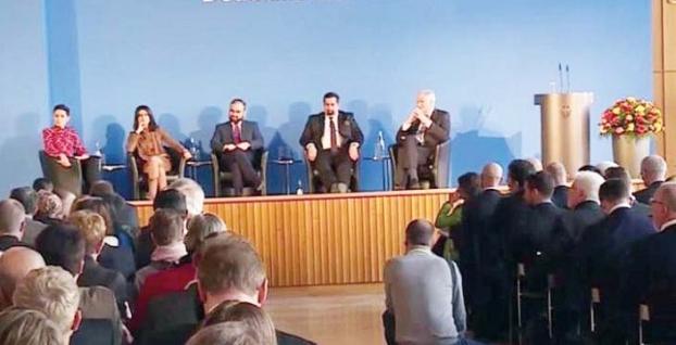 Almanya'daki İslam Konferansı'nda domuz eti skandalı tartışma yarattı