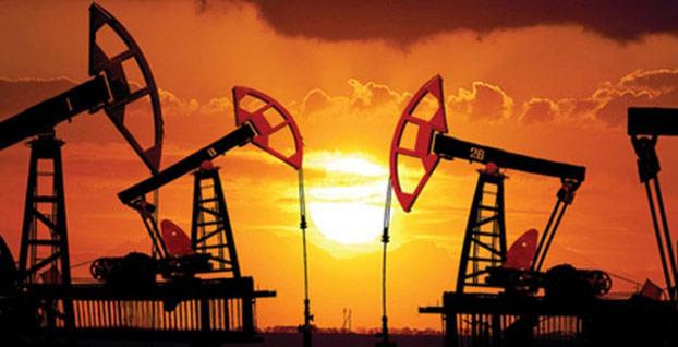 Petrol fiyatları baş aşağı düşüşte