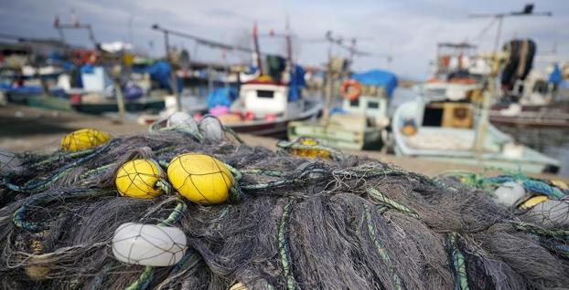 Batı Karadeniz'de kıyı balıkçıları çalışmaları durdurdu