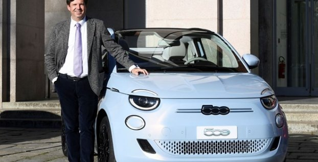 Fiat 500 alanın 6 bin 600 eurosu hükümetten