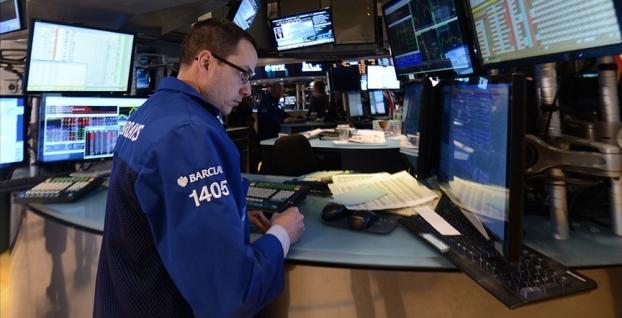 Küresel piyasalar haftayı belirsizliklerle kapattı
