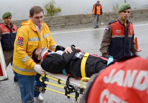 Otomobil, ticari taksiyle çarpıştı: 3 ölü