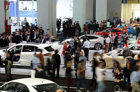 Otomobilde 2012 fırsatları sürüyor