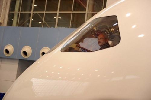 Kılıçdaroğlu, Çin'de uçak fabrikasını gezdi
