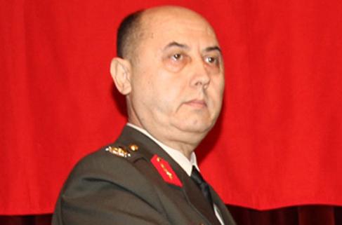 Askeri savcı paşanın TSK'dan ihracını istedi