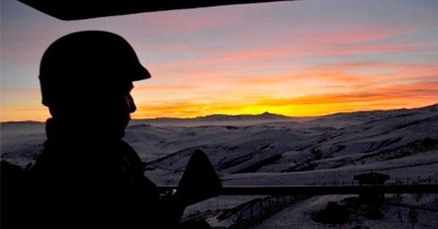 Kışlada nöbet cinneti: 3 asker şehit
