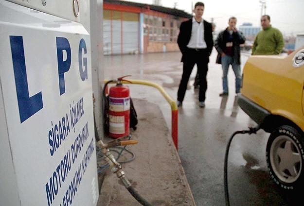 Benzin ve motorinden sonra bu kez de oto gaza zam!