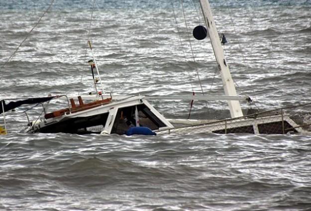 Tekne alabora oldu: 15 göçmen kayıp