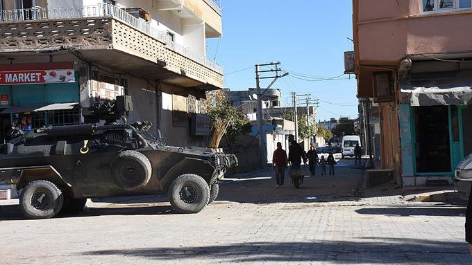 Teröristlerin binaya tuzakladığı bomba patladı: 6 şehit