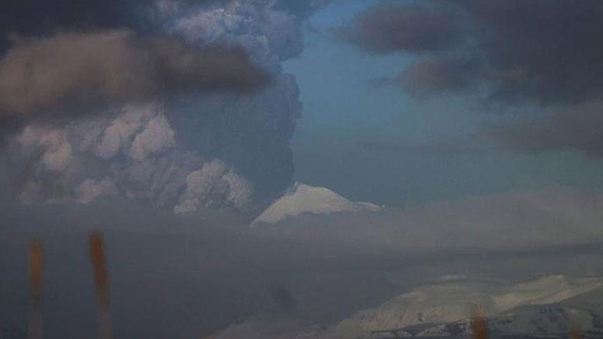 Pavlof yanardağı patladı, külleri 650 kilometre uzağa savruldu