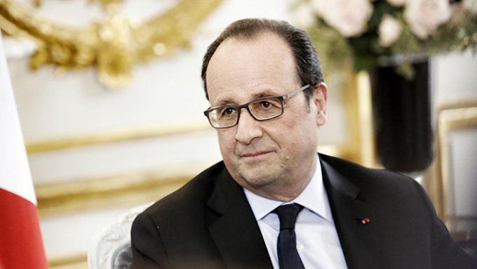 Fransa'da anayasa tartışması Hollande'ı zayıflattı (ANALİZ)