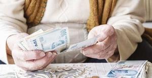 Emeklilere bayram ikramiyeleri ödenmeye başlandı