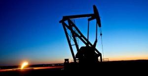 Petrol fiyatları sınırlı düştü