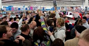 Efsane Cuma'da alışveriş rekoru