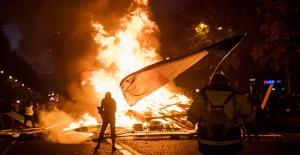 Paris zam protestosuyla karıştı