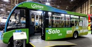 Sağdan direksiyonlu yerli otobüs İngiltere'de sahne aldı