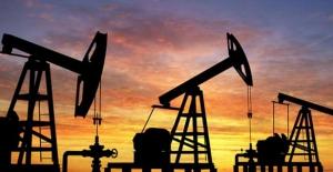 Petrol arz endişeleri ile 52 doların altında