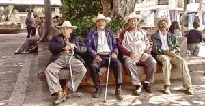 O ülkede tüm yaşlılara düzenli maaş bağlanıyor