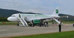 Alman hava yolu şirketi iflas etti