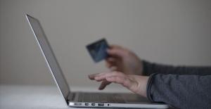 e-ticaret'te 65 yaş üstü kullanıcıların oranı arttı
