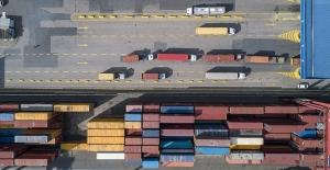 Dış ticaret geçen yılın aynı ayına göre arttı