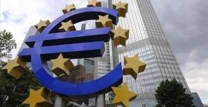 Avrupa Merkez Bankası faiz oranlarını koruma kararı aldı