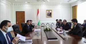 Bakan Varank, Tacikistan Başbakanı ile bir araya geldi