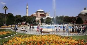 Rus turistler İstanbul'dan vazgeçmiyor
