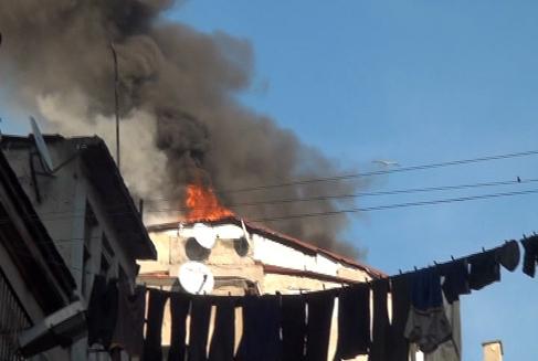 Beyoğlu'nda  otelde yangın korkusu