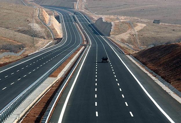 Trafik kazalarına 'affeden yol'